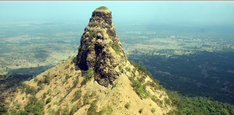 places to trek in maharashtra