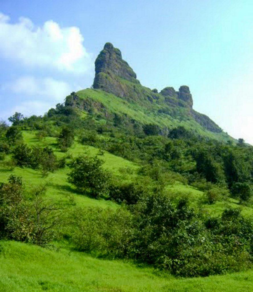 forts for trekking in maharashtra